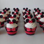 Cupcake decorado Minie vermelha
