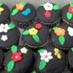 Cupcake decorado flores coloridas