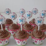 Cupcake decorado topper borboleta