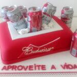 Bolo caixa de cerveja Budweiser