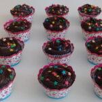 Cupcake decorado confetes