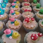 Cupcake decorado Alice no País das maravilhas