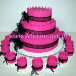 Bolo e mini bolos pink