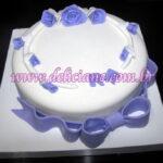 Bolo noivado branco e lilás