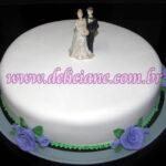 Bolo casamento branco e rosas lilas