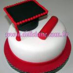 Bolo Formatura branco e vermelho