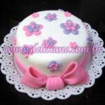 Mini bolo flores rosa e lilas