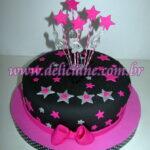 Bolo preto com estrelas pink e prata