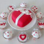 Kit festa bolo Coração e cupcake
