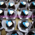 Bombom coração azul e branco